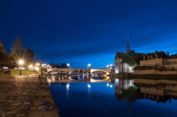 Banks of Yonne river and Saint Maurice Church