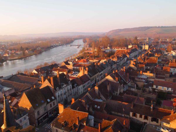 Villeneuve-sur-Yonne in autumn