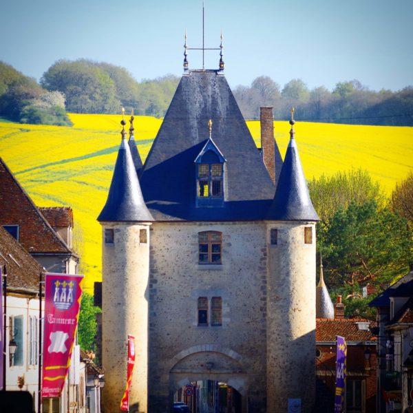Villeneuve-sur-Yonne's Porte de Sens